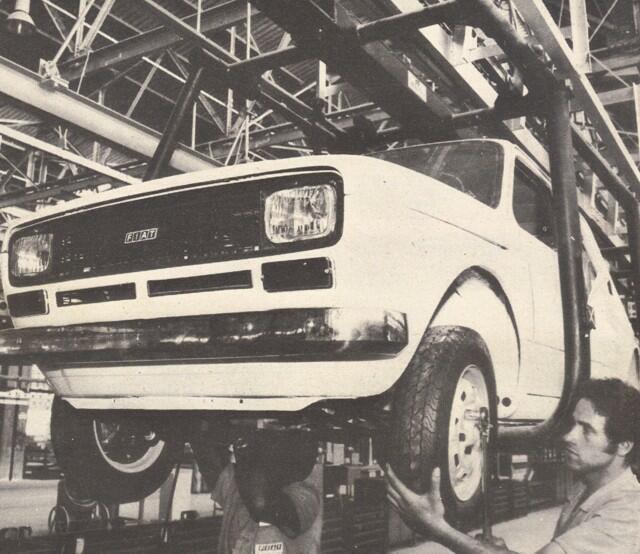 A linha de montagem do Fiat 147