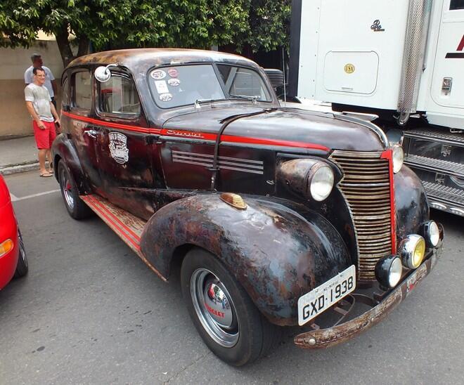 Um Chevrolet 1938 em estilo 'rat'