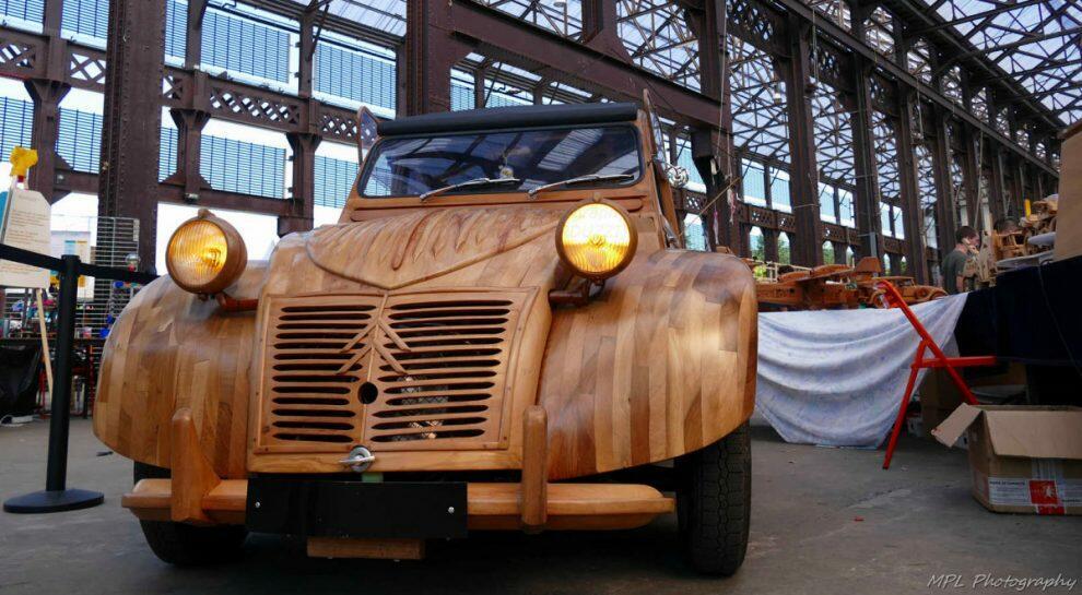 Citroen 2CV de madeira