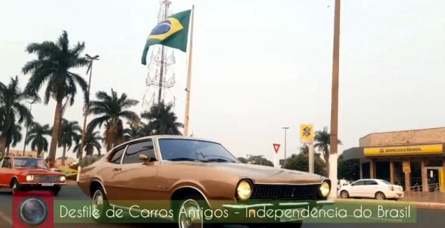 Desfile de Carros Antigos no Dia da Independência do Brasil