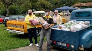 Drive Thru Solidário recebeu doações no Museu do Automóvel