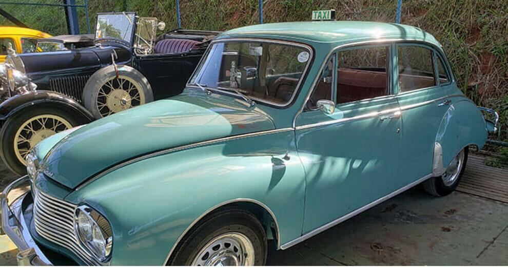 Encontro Mensal do Clube de Antiguidades Automotivas de Volta Redonda