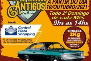 Encontro mensal de Carros Antigos & Especiais